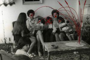 le bouquet de fleurs / the bouquet, from the series Photos-Souvenirs © Carolle Benitah