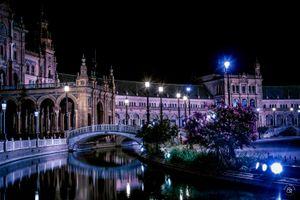 Plaza de España - walk by night 1
