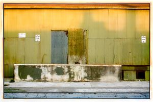 Green Wall, Gold Light