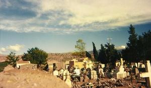 Cementerio en la Puna. Argentina