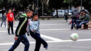 Street football, Italy  02
