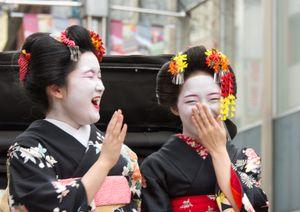 Young geisha girls