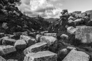 jumbled stones, ancient city of Messini, 2016