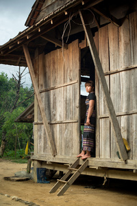 Hré girl in Kon Tum Province
