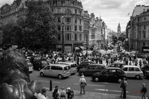 Taxi drivers protest against Uber in London