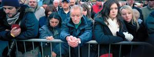Mourners, Bradford UK. 08 November  2005