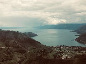 Lost in Lake Toba