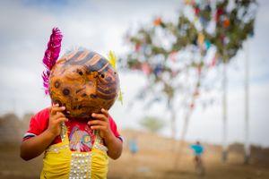 Los pobladores jugarán a ser niños y los niños jugarán a ser otros, disfrazándose con máscaras hechas de sapote.