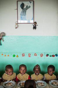 MANANTENASOA - Lunchtime for kindergarten kids
