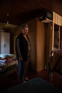 4 - Maria, 73 years old, takes care of her husband since his disease begun