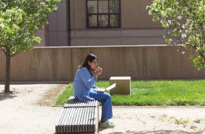 Quiet Break to Eat Lunch Outside ER