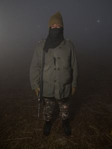 Soldat veillant à la sécurité des pèlerins de la Kumbh Mela d'Allahabad