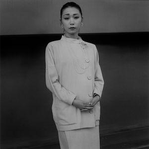 A girl in a long skirt, 1986 © Hiroh Kikai