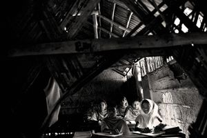School attendance is reduced by the daily need to help mothers collect drinking water. Sawkat nogor, Satkhira. © Munem Wasif/VU'
