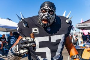 Violator - Oakland Raiders Fanatic, Oakland Coliseum 2018
