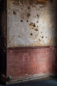 Impacts of shrapnel on the walls of General Moscardó's office produced during the siege of the Alcazar de Toledo in 1936.