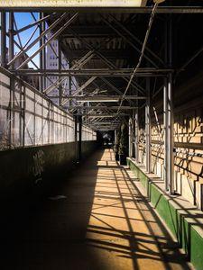 symmetric scaffold