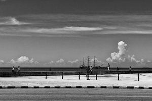 EN EL MALECON, LA HABANA, CUBA 2