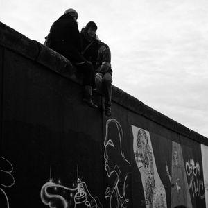 Auf der Mauer
