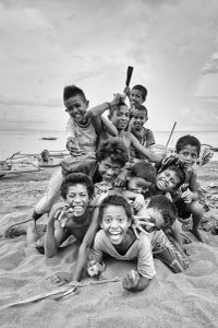 Little kids by the sea VIII