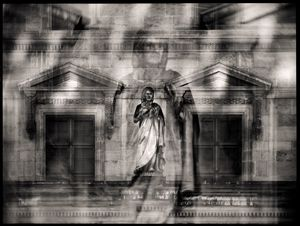 Louvre Presence