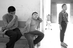 Boys in dorm at at Làng Hữu Nghị