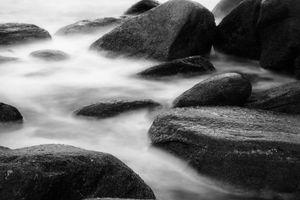 sea in the stones