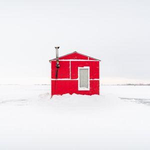 Ice Fishing Hut XI