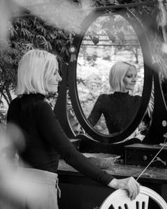 Eva in the mirror