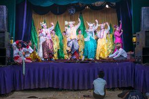 Myanmar Classic Dancers