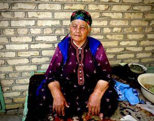 Amanjan Muhammedova, healer,, Sakar Chage - Turkmenistan