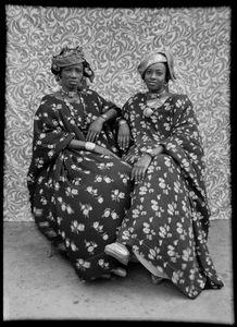 Untitled, 1956 © Seydou Keïta / SKPEAC / courtesy CAAC - The Pigozzi Collection, Geneva