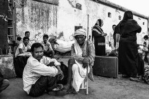 IMPRESSIONS AT THE OLD DELHI RAILWAY STATION 37