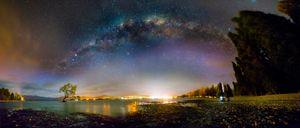 Lake Wanaka at night