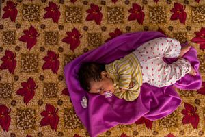 Thaana, a baby of 6 months, was born in a informal settlement.