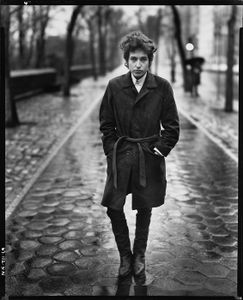 Bob Dylan, musician, Central Park, New York, February 10, 1965, © 2008 The Richard Avedon Foundation