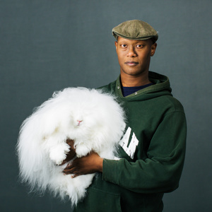 Marcus Rhoden (34) from Chesaning, Michigan with his bunny Felicia (9,5 months) of «English Angora» breed.