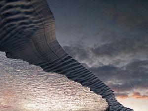 GRAVITY  WAVES© Douglas A. Yates