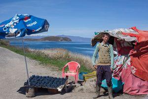 le petit marchand de poisson (lac Ohrit, Albanie)