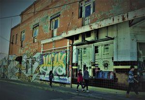 10 Sydney street life Graff
