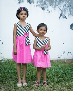 Sisters in Kochi on a family outing.
