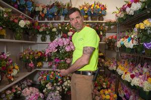 SELECT ROSES: 'Flower Man'