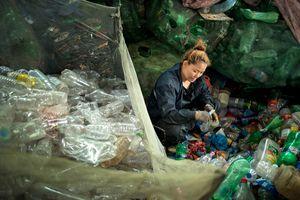 The plastic disposal