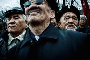 Kyrgyzstan © William Daniels/Panos. Born out of the collapse of the Soviet Union, the young and fragile Kyrgyz republic, commonly known as Kyrgyzstan, is undermined by poverty, corruption and chronic political instability. Freedom of expression is minimal, more than 40% of the population lives below the poverty line and one in two people regret the fall of the communist era.