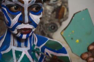 P'anga, portrait with broken mirror