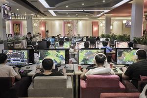 Internet gaming addicts, 2014 © Fernando Moleres