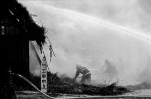 6 - Non è sufficiente la sola rimozione della paglia che continua a bruciare a terra anche se bagnata.