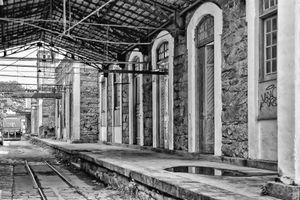 Plataforma onde os vagões de trem deixavam a matéria prima.