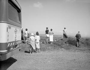 tourists near Kunetra