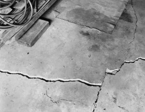 Madison, WI (LK garage, floor crack), 1982